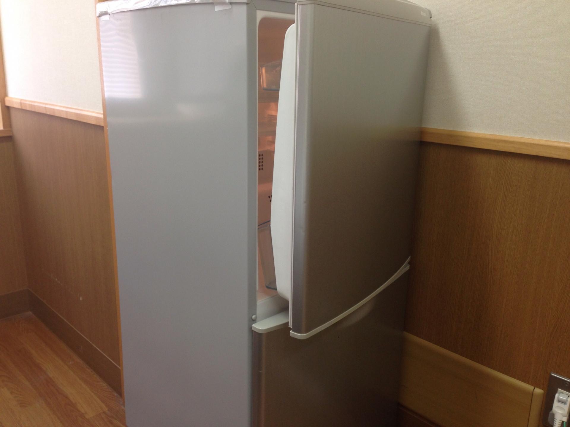 冷蔵庫の温度が下がらない時の解決策!