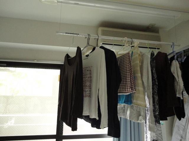 雨の日のお洗濯を快適に! 部屋干しのコツとおすすめグッズ
