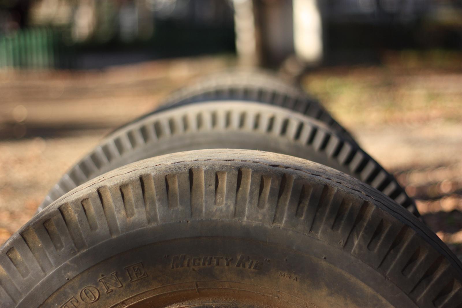 車のタイヤの寿命はどれくらい?どうやって判断するの?