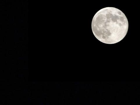 私達から月や火星までの距離はどのくらい??