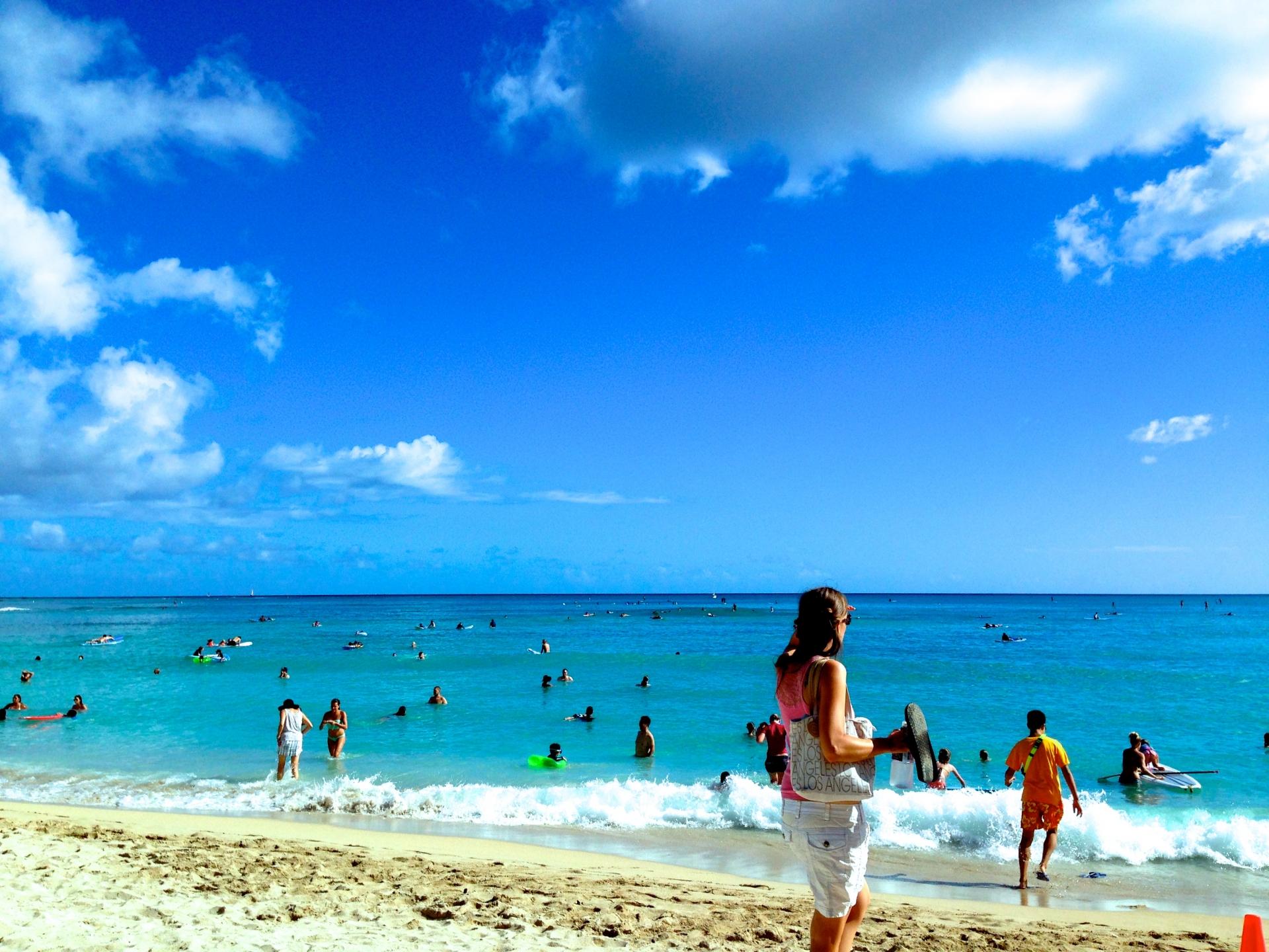 ハワイのビーチで楽しむために「貴重品」の保管について